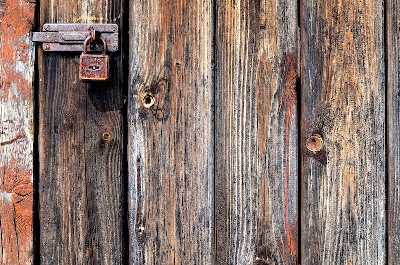 drzwi od piwnicy